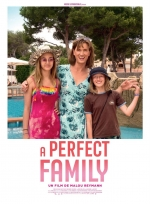 Affiche du film : A PERFECT FAMILY